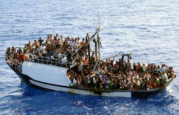 boat-immigrants