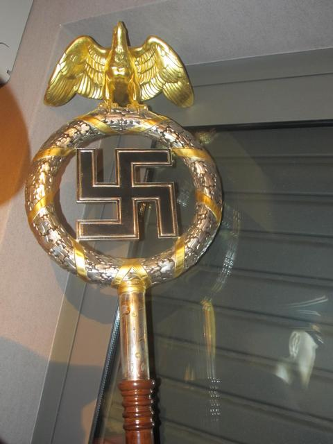 Pallis-weapons-and-nazi-paraphernalia-n