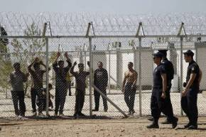 Refugees describe dire conditions in migrant detentioncentres